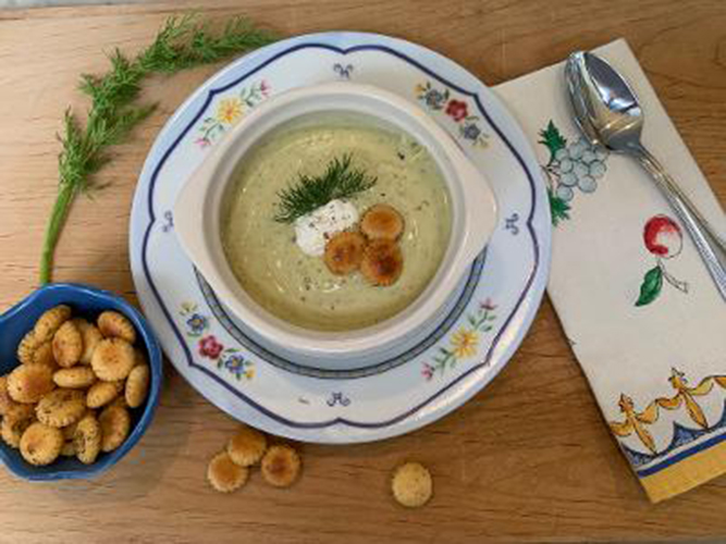 Creamy Zucchini Soup With Spicy Seasoned Crackers